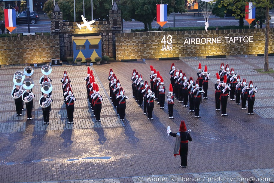 Opening 43e Airborne Taptoe